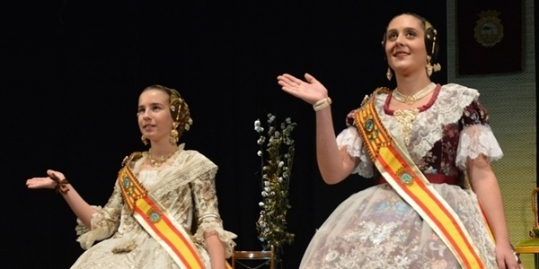 La Solemne Exaltació obri el regnat de Celia Lorente i Paula Tarazona com a Falleres Majors de Picanya 2020